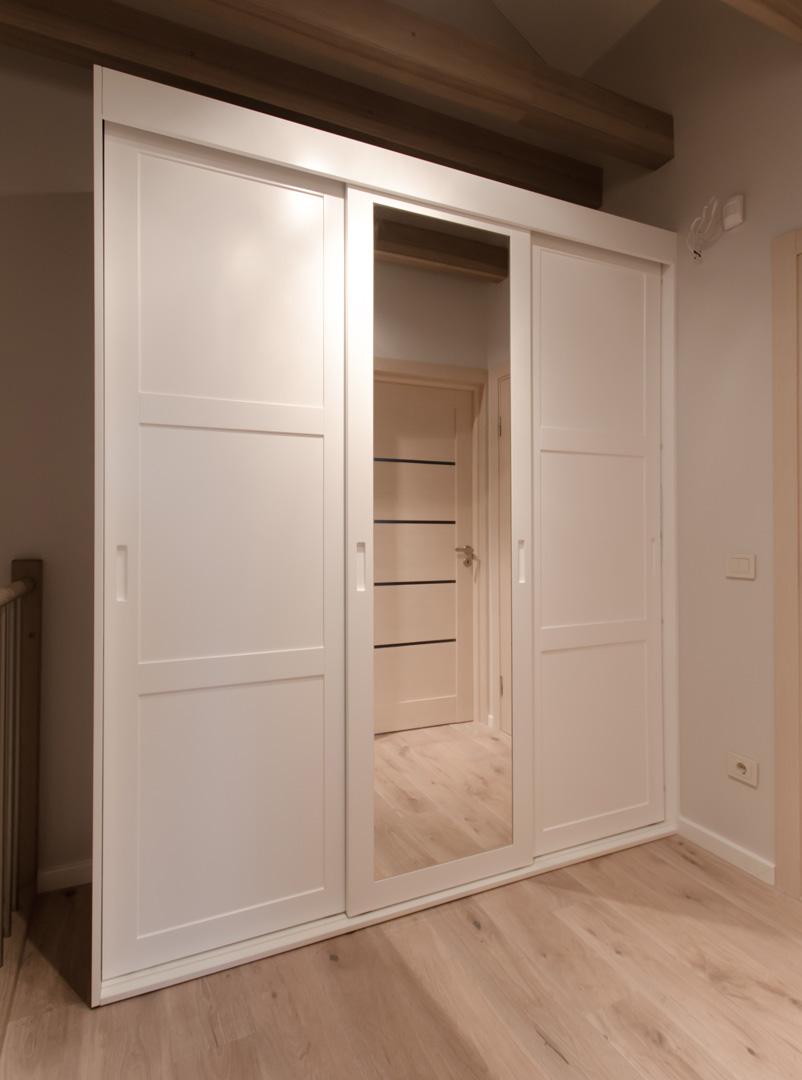 best_wardrobes_white_mirror