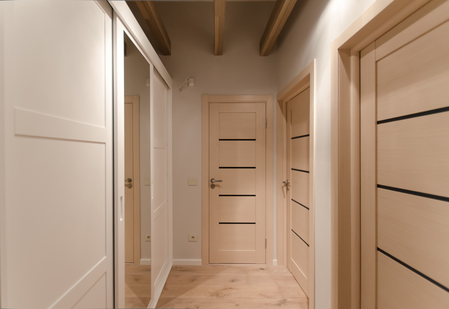 corridor_closet