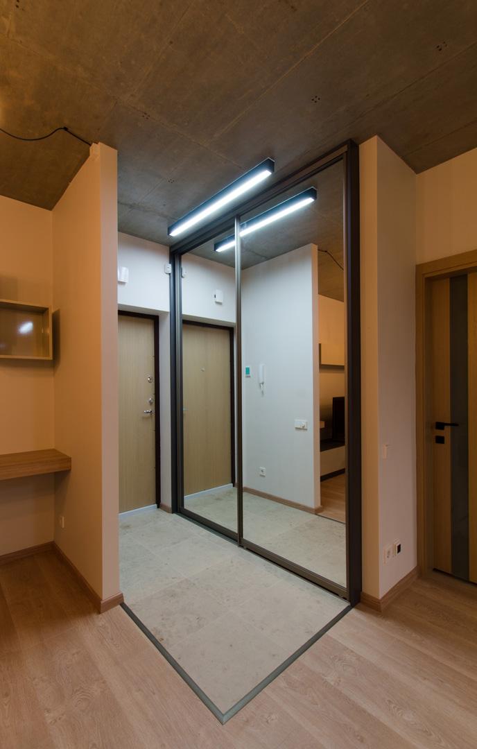mirror_closet_sliding_doors