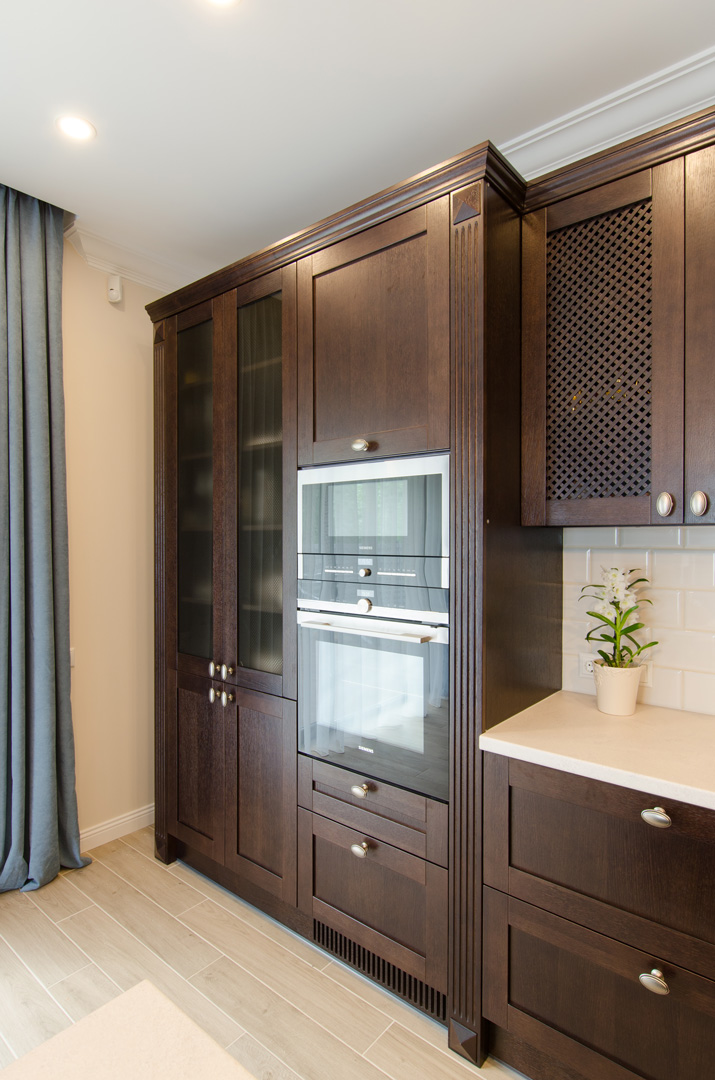 brown_kitchen_cabinet