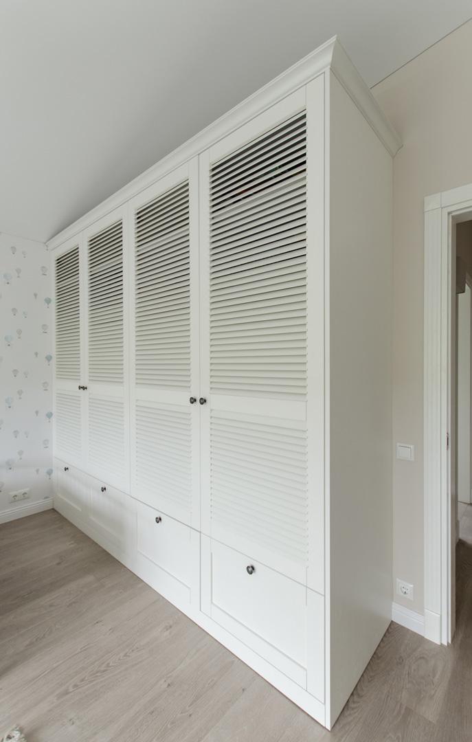 classic_white_wardrobe
