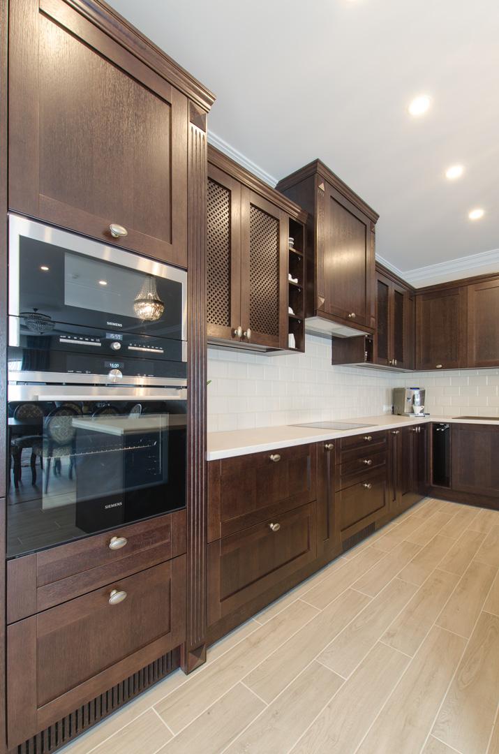 klasikiniai_baldai_virtuves