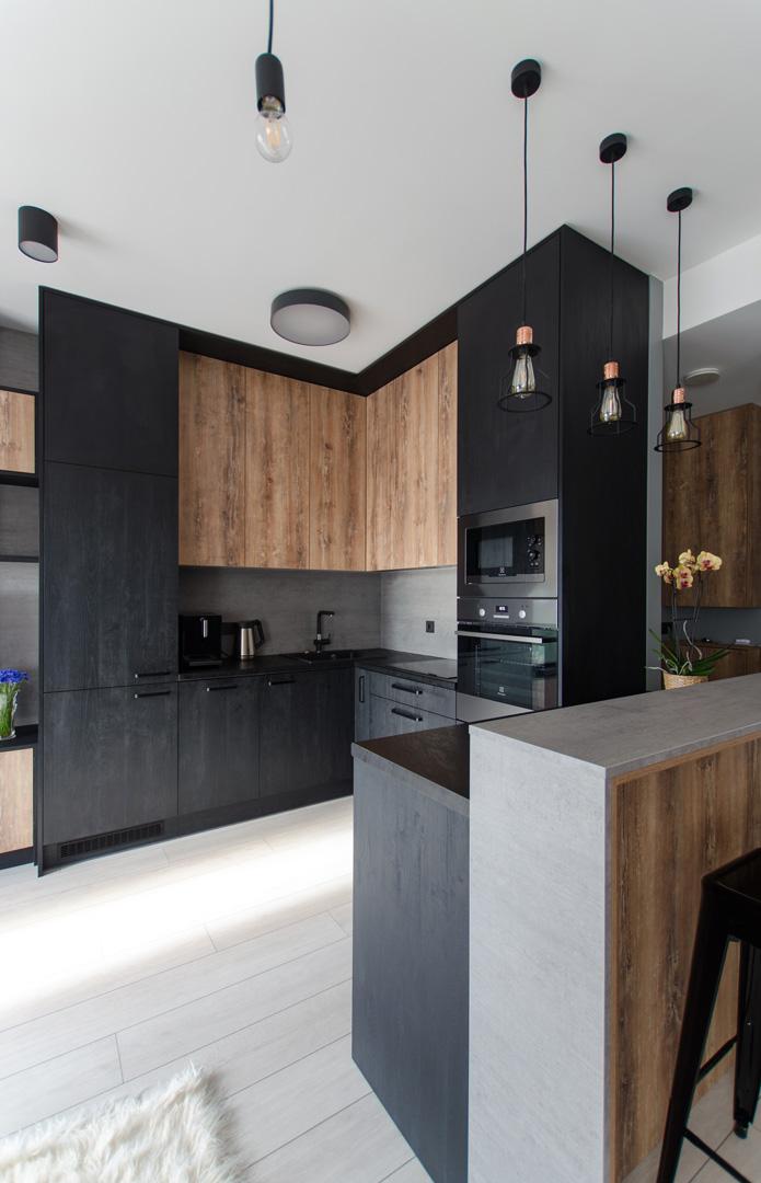 juoda_virtuve_moderni