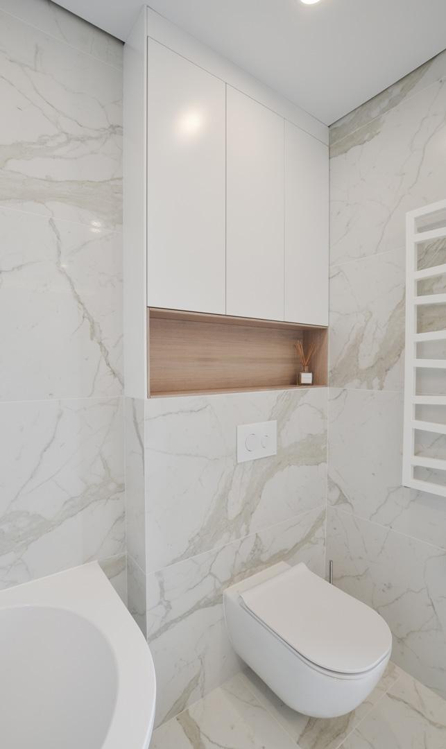 white_bahtroom_modern