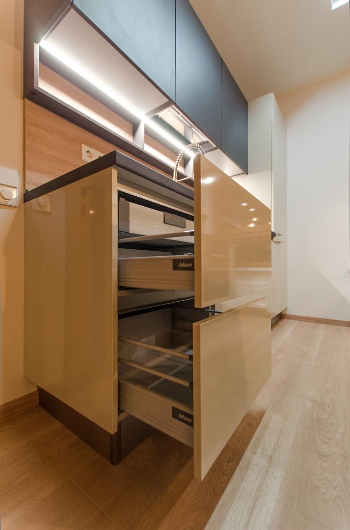 kitchen_furniture_virtuves_stalciai